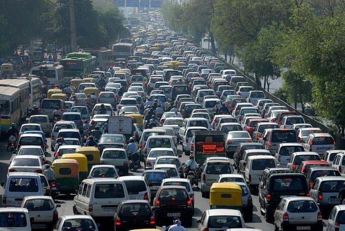 Perante um congestionamento de trânsito, quem stressa mais, a mulher ou o homem?