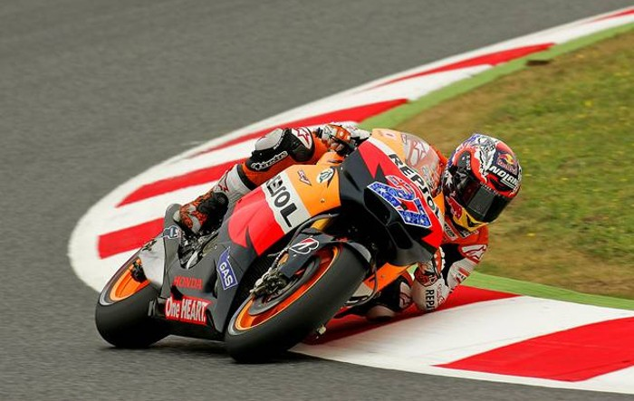 Motos e curvas (4): A posição no motociclo e o seu traçado