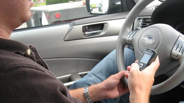 Relembrar o básico para uma condução segura (3): Telemóveis