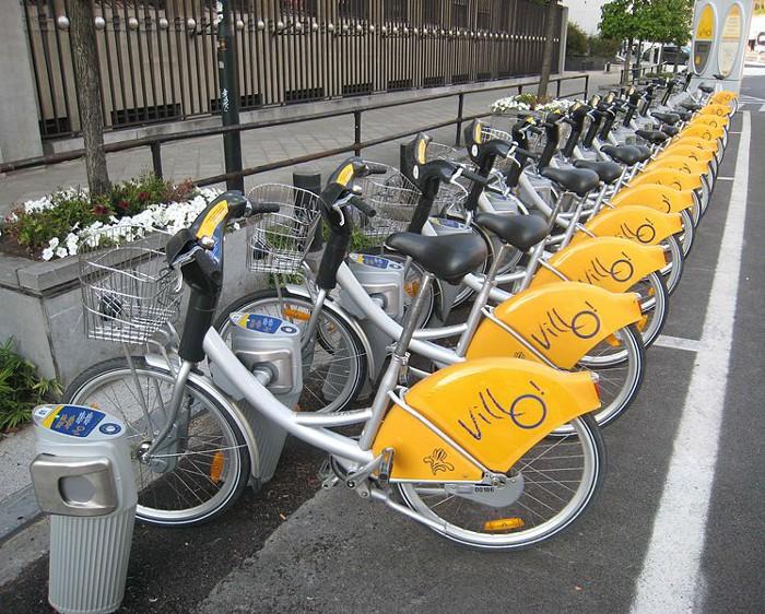 Ciclistas, que prioridade e circulação?