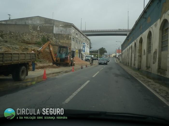 Obras na via e sinalização