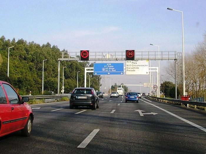 Auto-estrada, por onde circular?