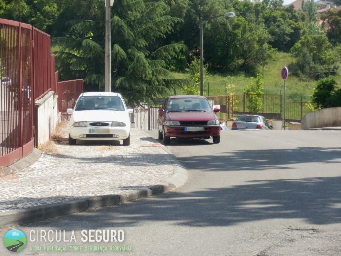 Estacionar erradamente dentro de localidade
