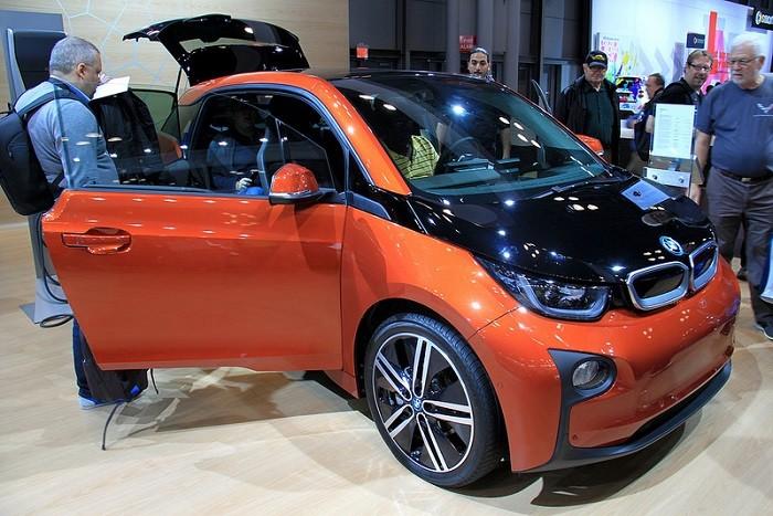 O equilíbrio entre condutores séniores e carros novos