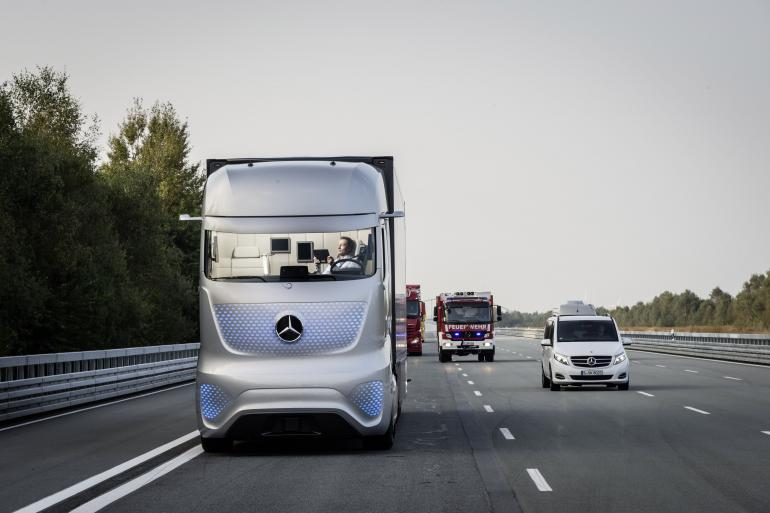 mercedes-benz-future-truck-2025 (1)
