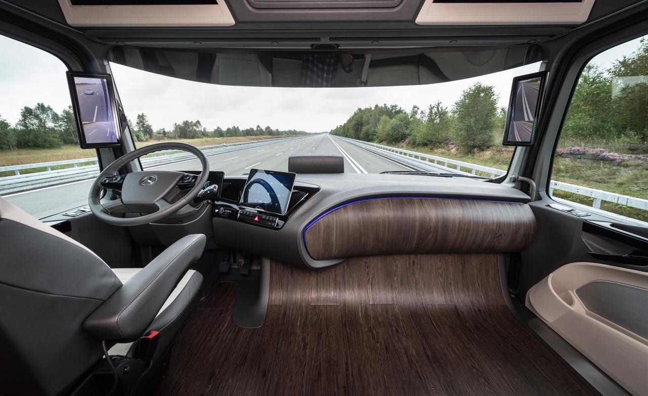 mercedes-benz-future-truck-2025-CS