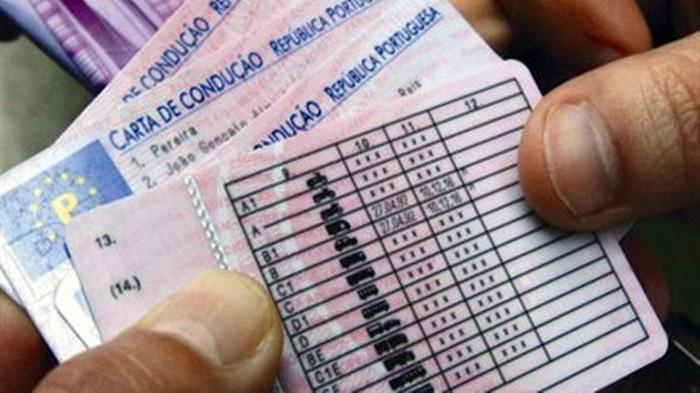 Carta de condução falsa, um mau esquema para a segurança rodoviária.