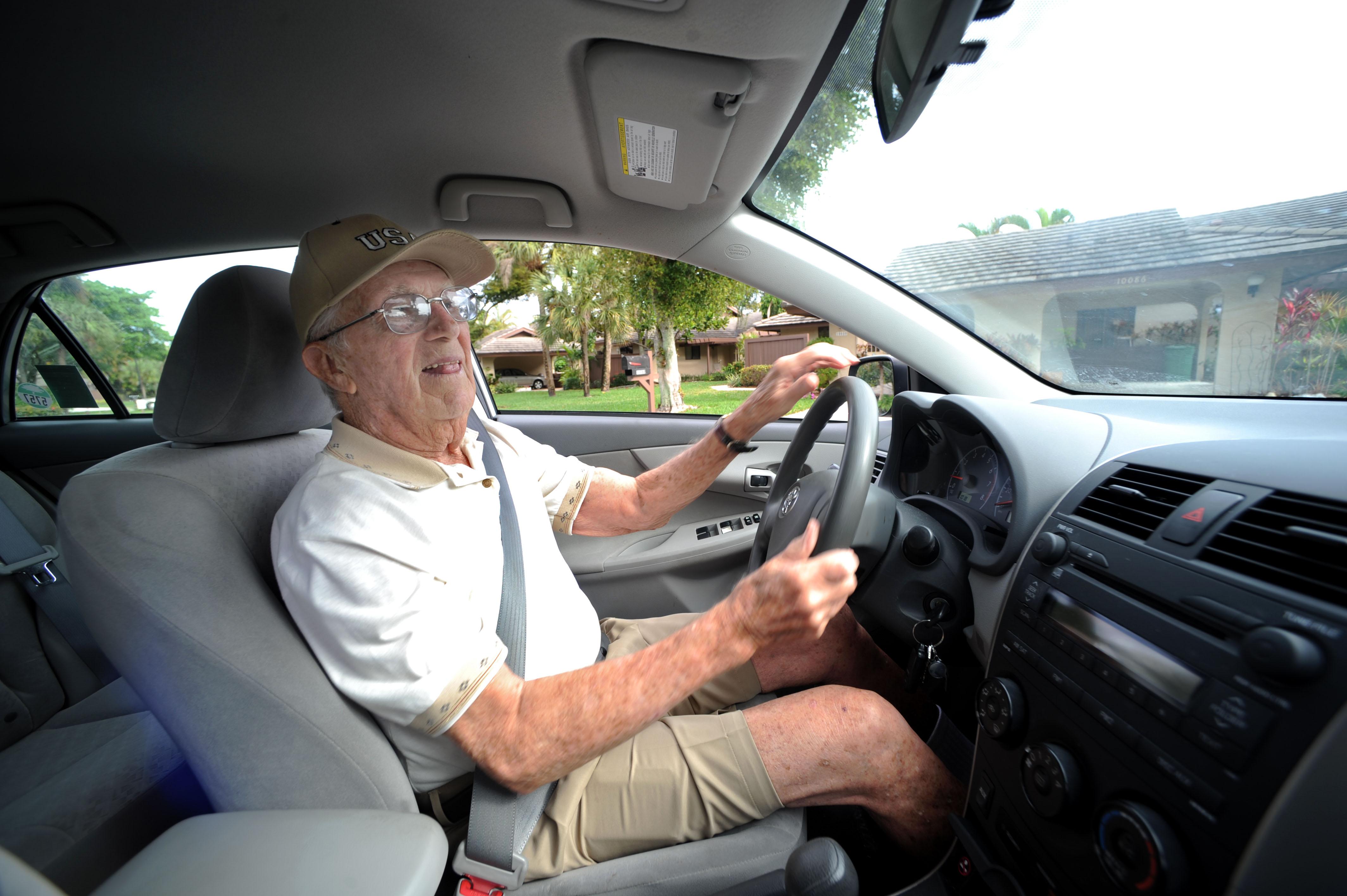 Idoso a conduzir - CS