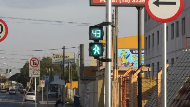 Semáforos cronometrados: valeu a pena a mudança?