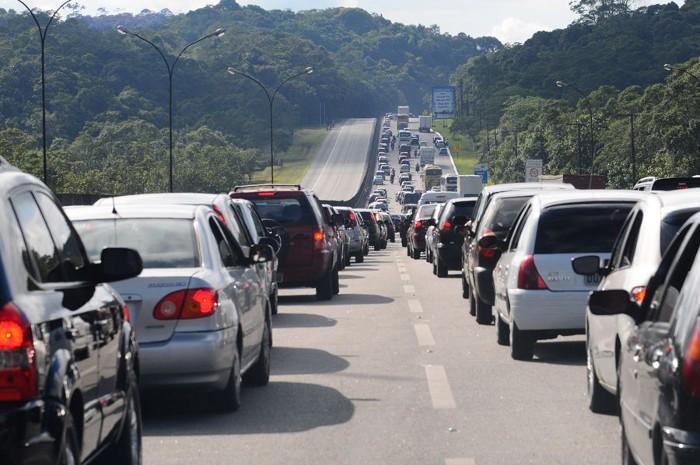 Cuidados no trânsito, neste fim-de-semana prolongado