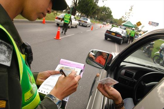 Receita de multas de trânsito bate recordes em Abril