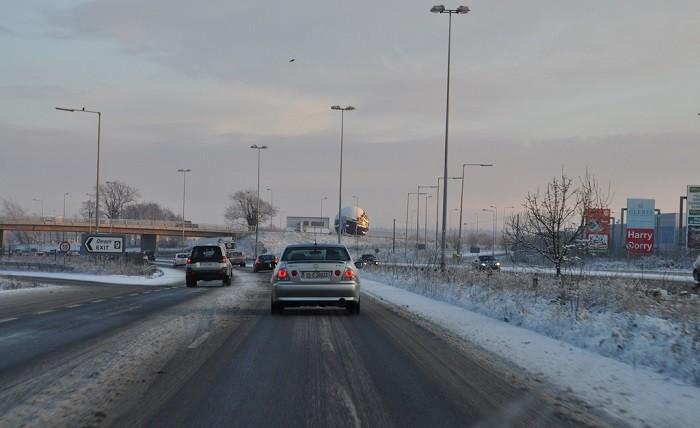 Como conduzir numa estrada gelada