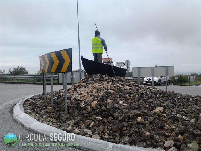 Segurança máxima na sinalização de obstáculos em rotunda