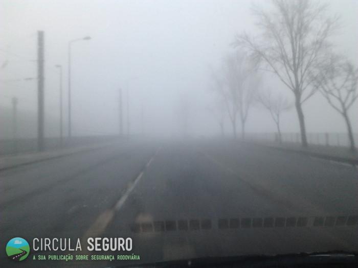 Nevoeiro e o risco do acidente rodoviário associado