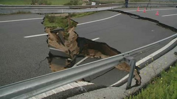 Projecção e manutenção de estradas afecta a segurança rodoviária