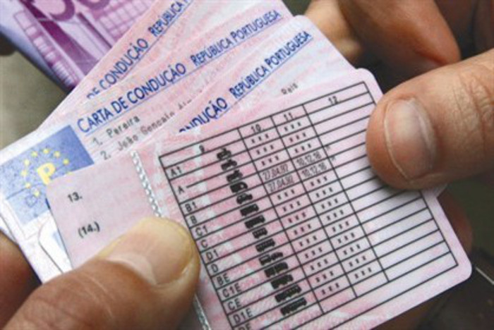 Europa quer uma carta de condução igual em todos os países da comunidade, já em 2016