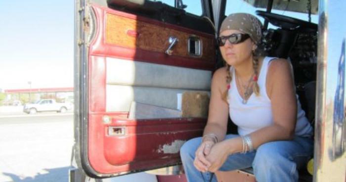 Algumas dicas para recrutar motoristas do sexo feminino para a sua frota de veículos