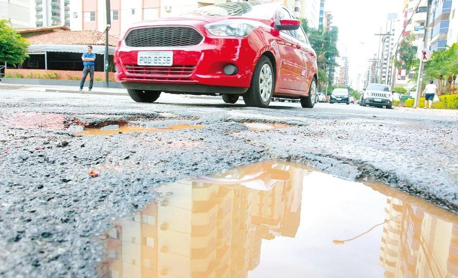 Danos no veículo provocados pelos buracos no asfalto