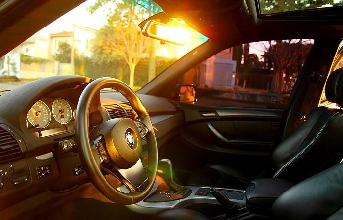 Sabe baixar a temperatura no interior do carro?