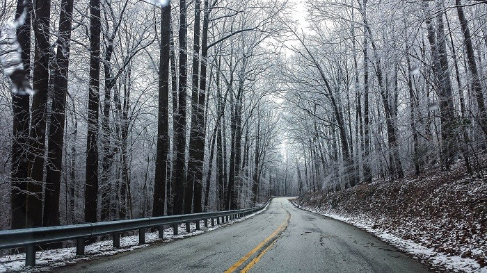 Gelo na estrada. Como prevenir?