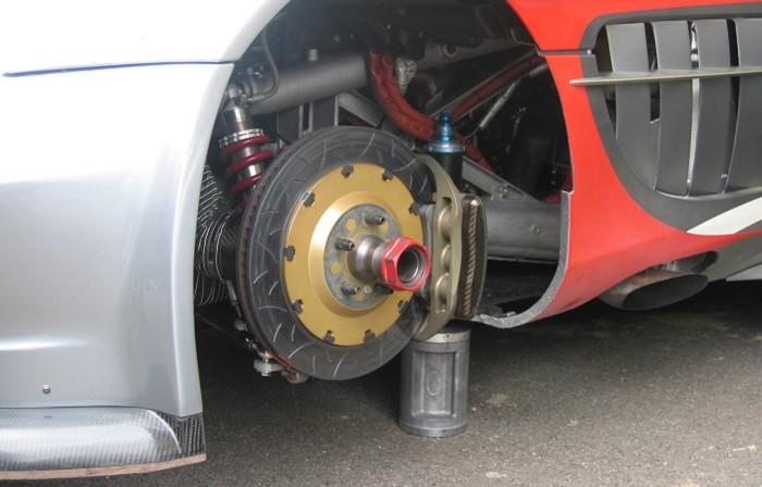 Sabe fazer a manutenção dos travões do seu carro?