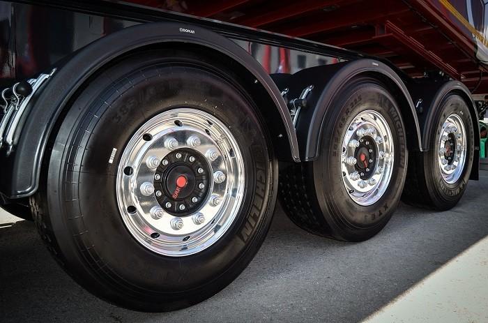 Normas para pneus de pesados