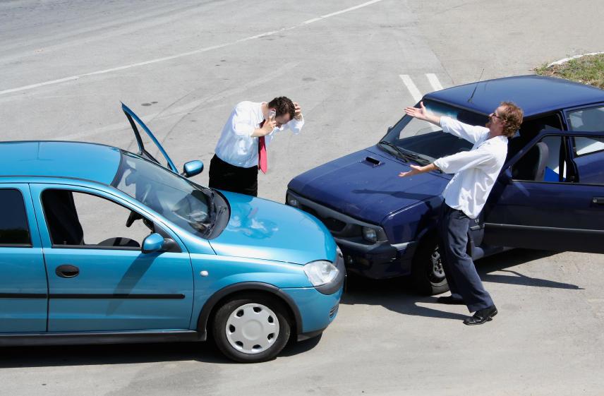 O que é o seguro de danos próprios e o seguro de responsabilidade civil?