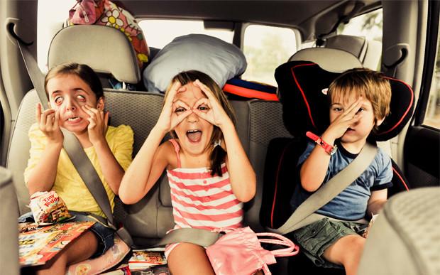 Como entreter as crianças a caminho das férias?