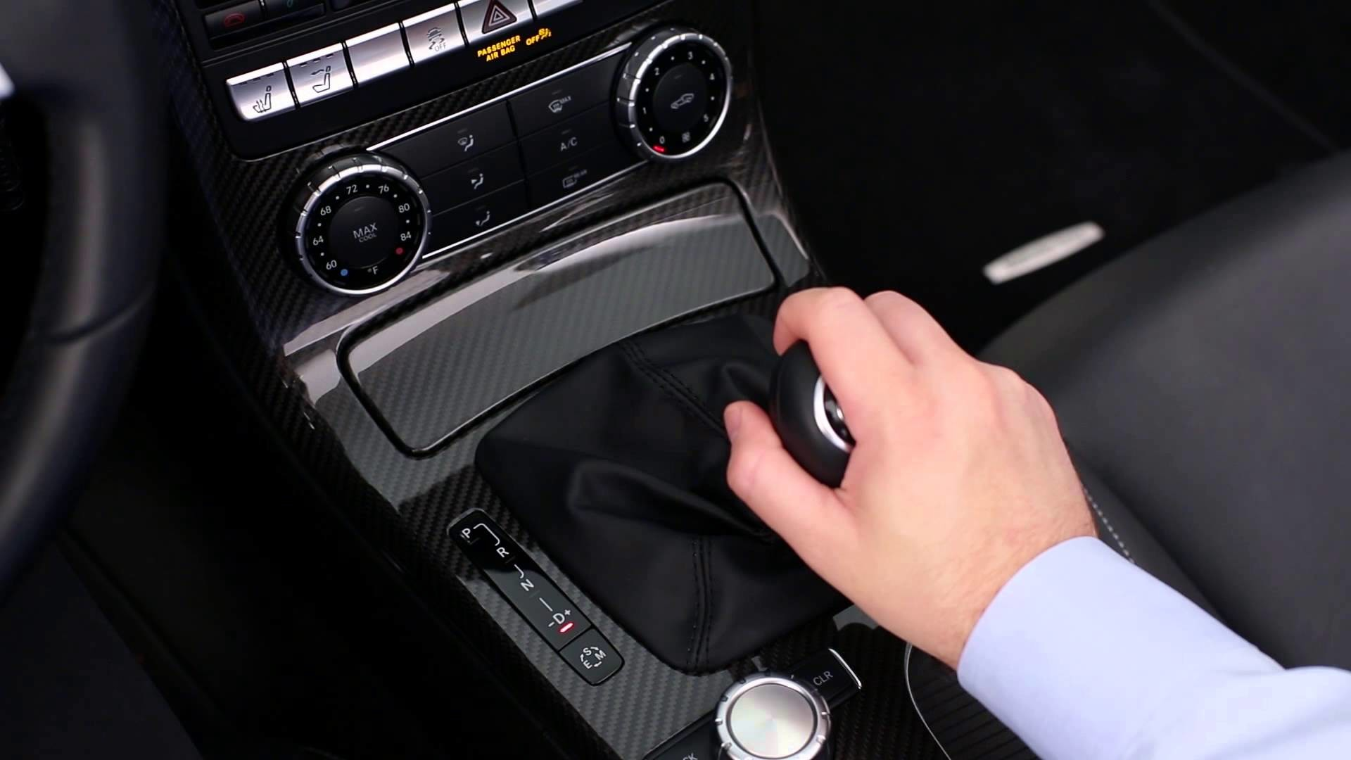 Como conduzir um carro de caixa automática