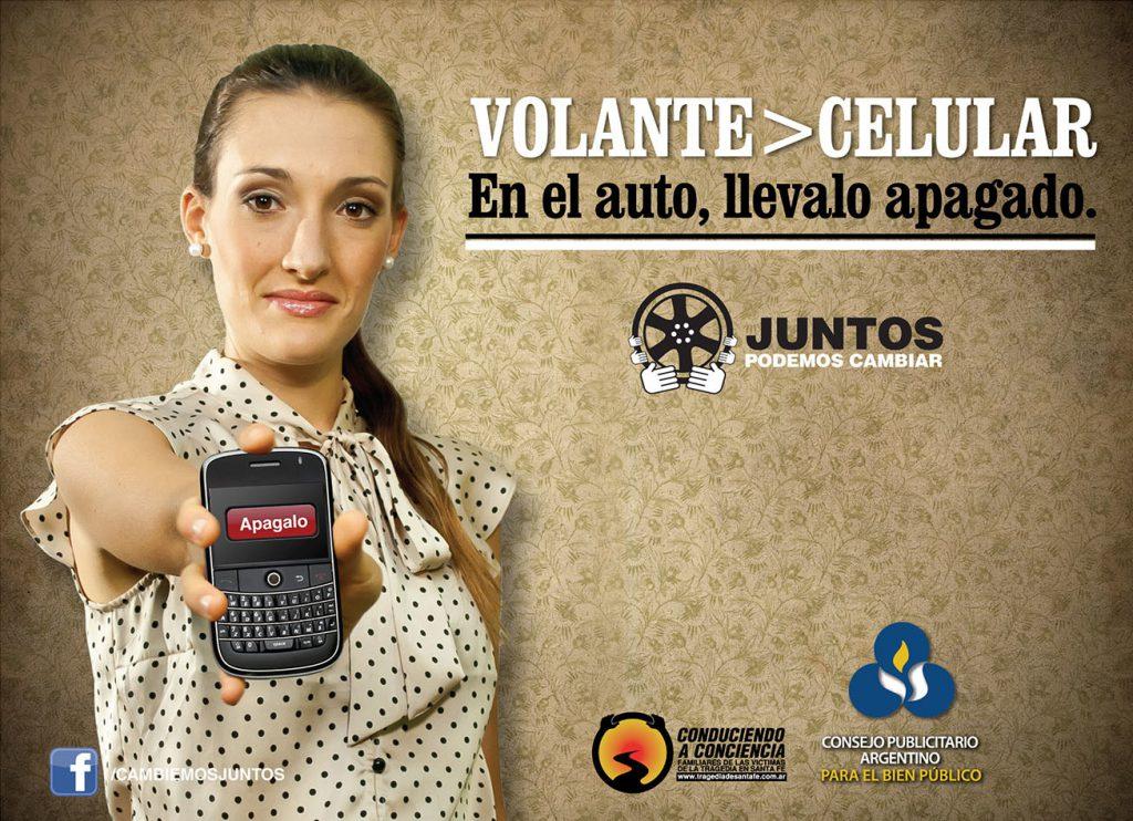 Campanha de prevenção rodoviária apelando à não utilização do telemóvel ao volante
