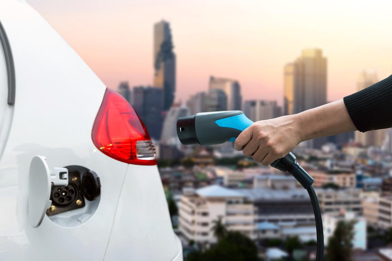 Carros elétricos obrigados a fazer ruído a partir de 2019