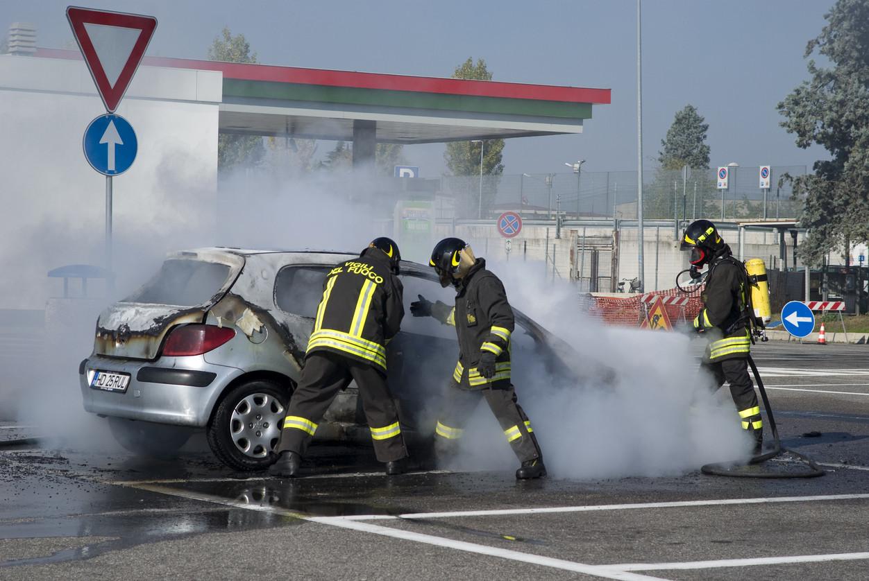 Extintor no carro. É recomendável?