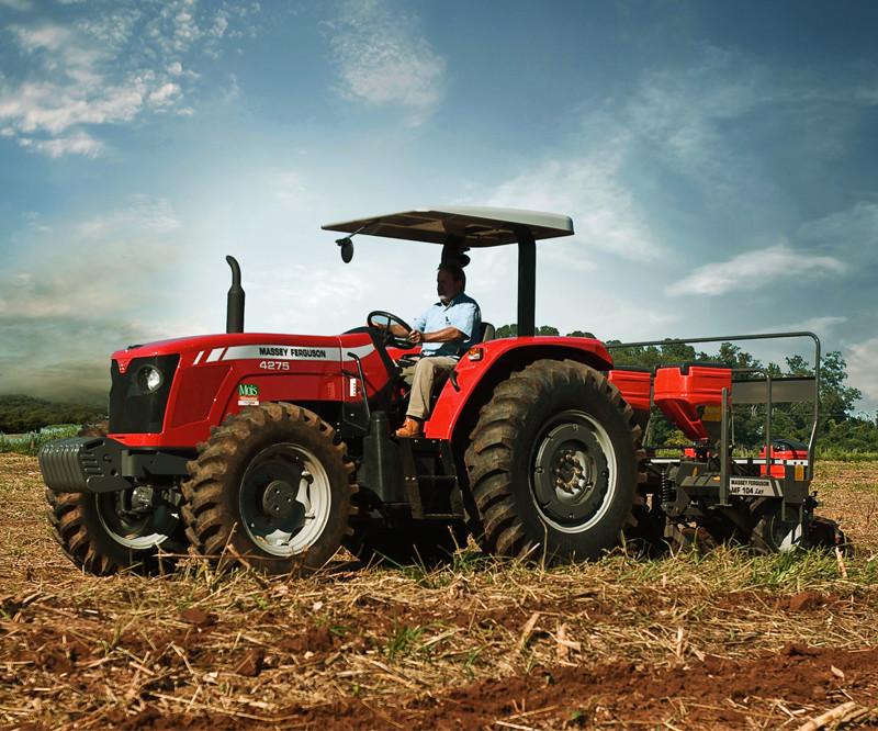 Os tratores, as máquinas agrícolas e a segurança rodoviária
