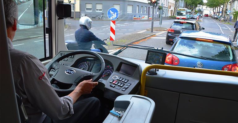 O que é o CAM e o CQM para motoristas de veículos pesados?