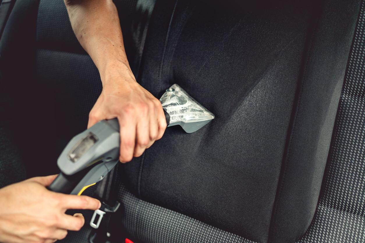 Revestimentos interiores do veículo: como limpar