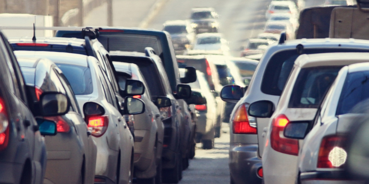 Quais os principais erros que cometemos a conduzir num engarrafamento