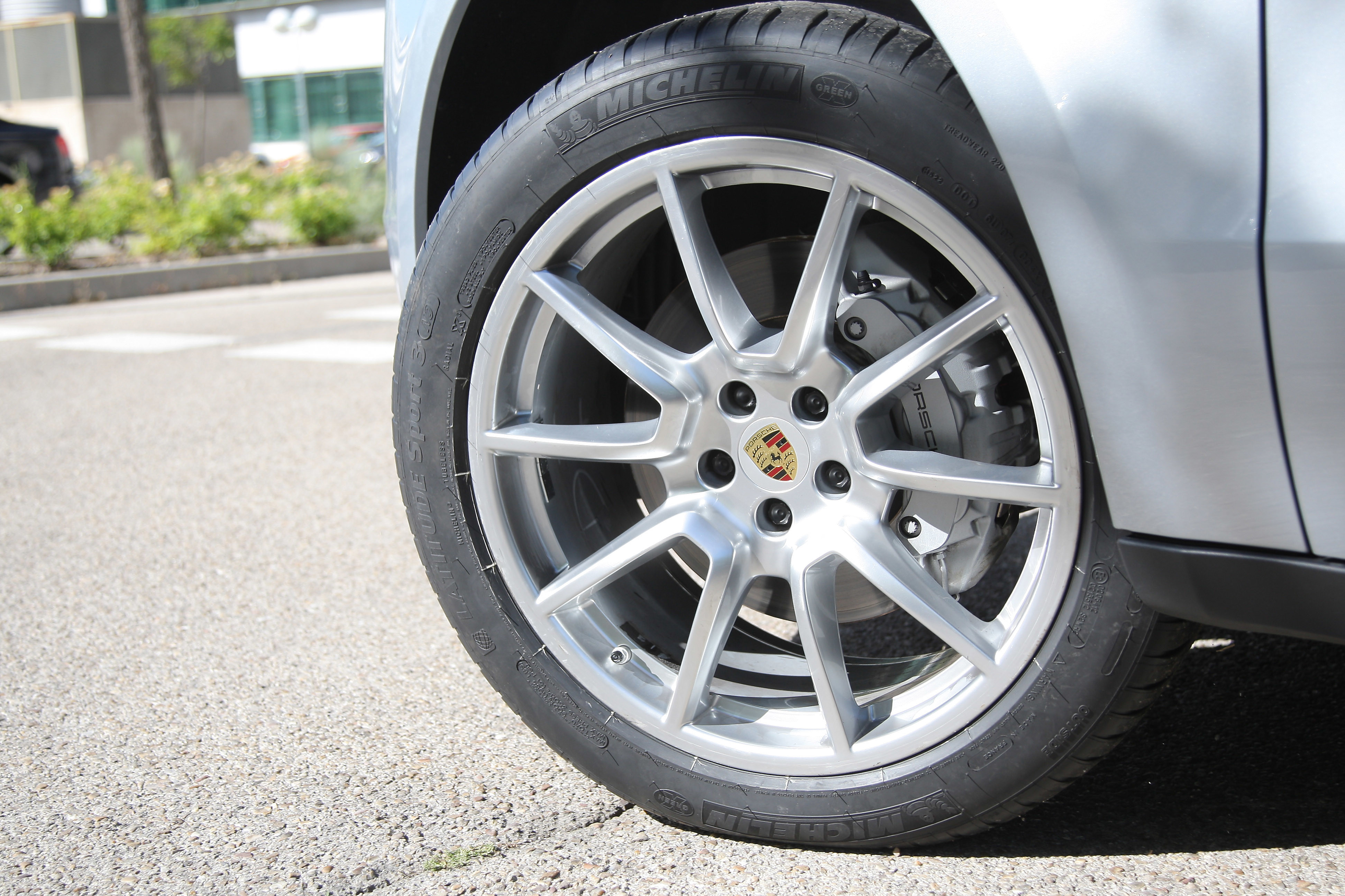 Férias: A melhor altura para verificar os pneus