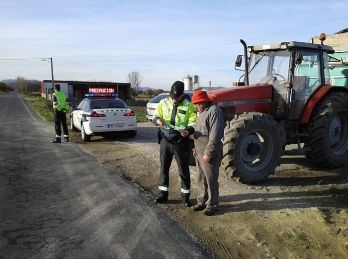 Como conduzir um tractor sem risco