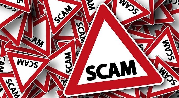 Bauernfängerei Road Sign Attention Scam Note As fraudes assumem diversas formas
