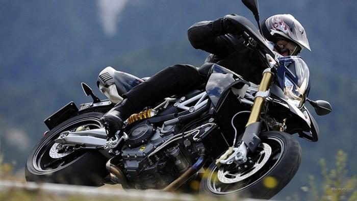 Velocidade e obstáculos, as causas das quedas de moto