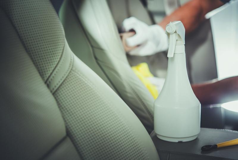 Desinfetar o interior do carro será exagerado?