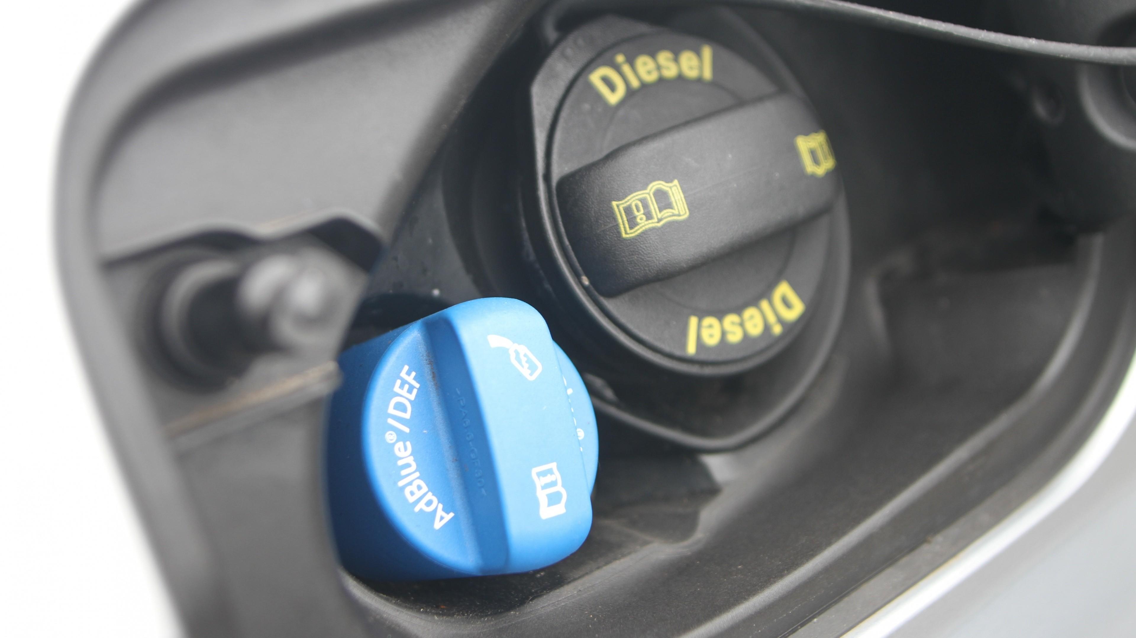 Sabe que pode precisar de abastecer o seu carro com Adblue?