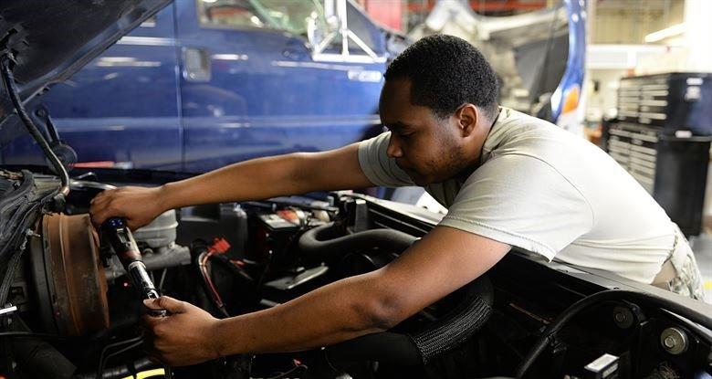 Crie um plano de manutenção para o seu veículo
