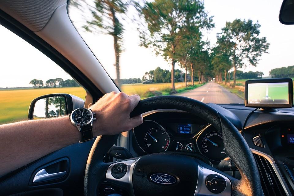 Desvendamos alguns mitos urbanos da condução de verão