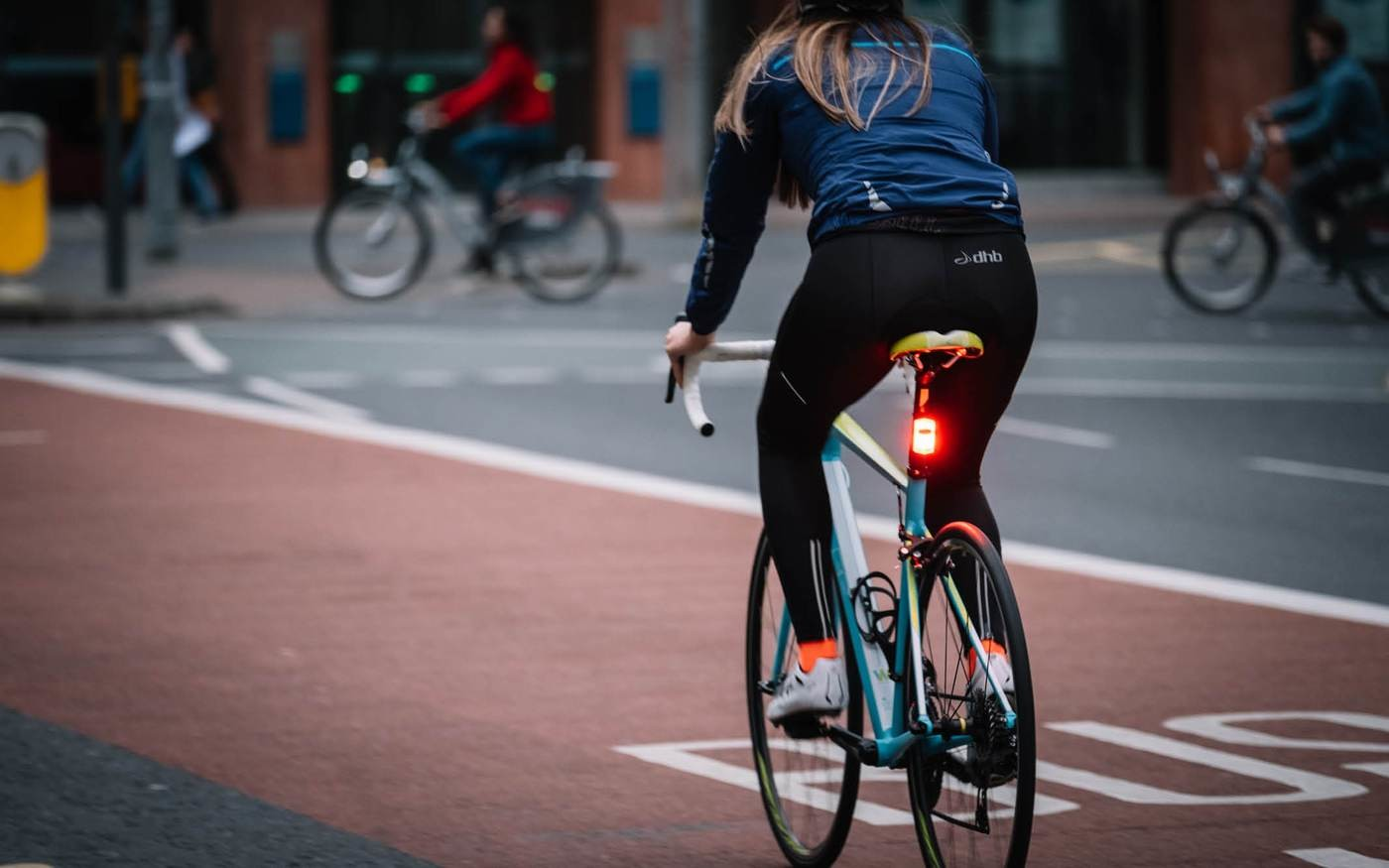 Se é ciclista, torne-se visível na estrada