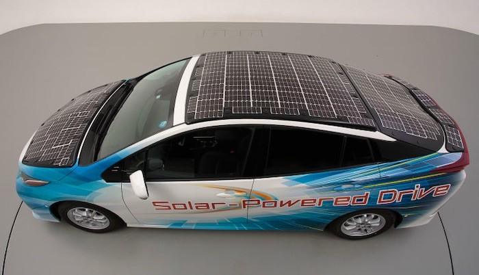 Painéis solares invisíveis. Serão a solução para aumentar a autonomia dos carros elétricos?