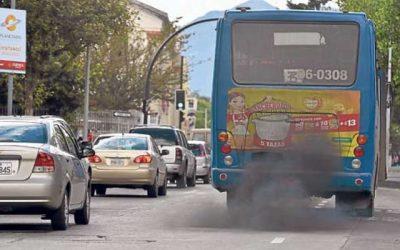 Poluição ambiental provocada pelos automóveis