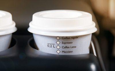 Cafeína e bebidas energéticas ao volante: quando são aconselhadas e quando são um perigo