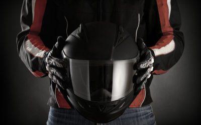 Como desinfetar ou usar capacete e luvas de moto com a pandemia?