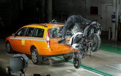Motos: sistema de chamada de emergência pode salvar vidas